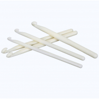 Крючок для вязания (пластик белый)