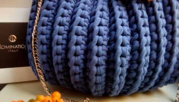 Сумочка ракушка из трикотажной пряжи